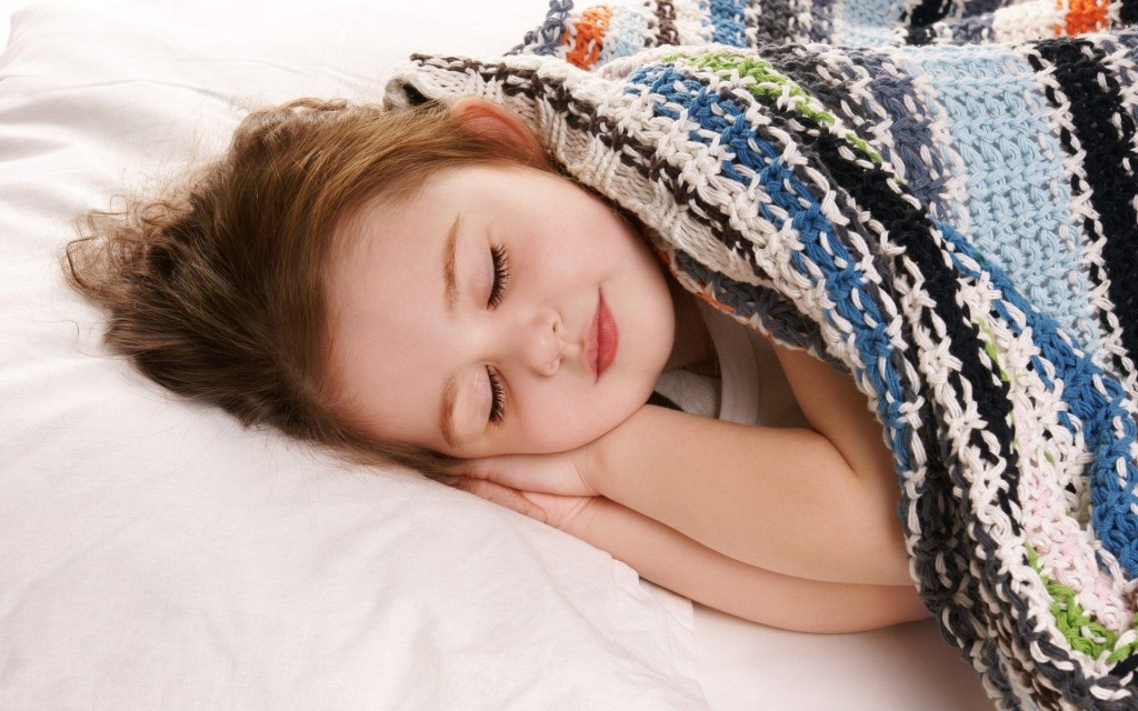 Cute-Child-Girl-Sleeping-Images